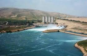 الموارد المائية تتسلم مهمة تاهيل وصيانة اسس سد الموصل من تريفي الايطالية