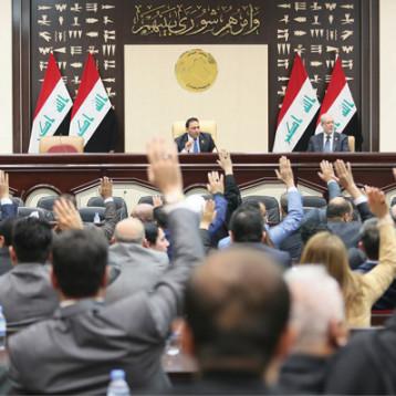 سائرون تحشد الكتل السياسية للإطاحة برئيس البرلمان بعد عيد الفطر