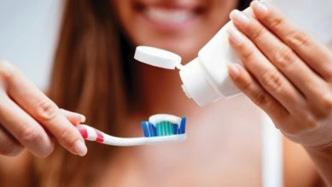 معجون الاسنان لا يعالج  الحروق ولا تهديء الالم