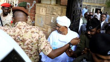 نيابة مكافحة الفساد في السودان توجه تهما  للبشير بالكسب غير المشروع