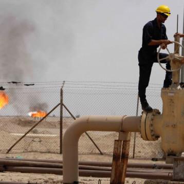 الطاقة النيابية ترصد هدر 460 مليار دينار بعمل شركات النقل في وزارة النفط