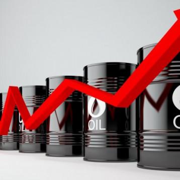 تصاعد التوترات في الشرق الأوسط تدعم ارتفاع أسعار النفط
