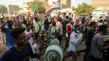 الغاء المفاوضات بين قادة الاحتجاج  والعسكريين والبرهان يندد بمقتل متظاهرين