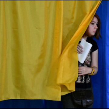 حزب زيلينسكي الأوفر حظاً في الانتخابات النيابية المبكرة في أوكرانيا