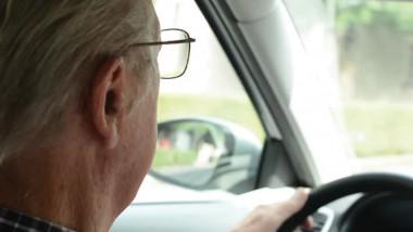 قيادة السيارات تحسن الحالة النفسية لكبار السن