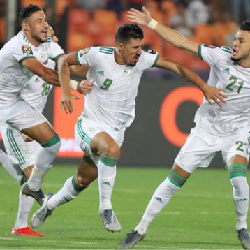 منح لاعبي الجزائر وسام الاستحقاق الوطني  تكريما لفوزهم بكأس أمم أفريقيا