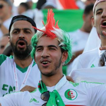 9 طائرات تنقل مشجعي الجزائر إلى مصر