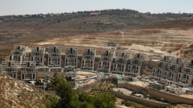 اسرائيل تخطط لبناء اكثر من 2300 وحدة استيطانية وتضفي الشرعية على عشوائيات
