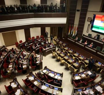 برلمانيون كرد يحذرون حكومة الاقليم من خسائر كبيرة في حال عدم تسليم النفط الى بغداد