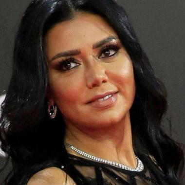 رانيا يوسف: من الصعب أن يقرر شخص محب للفن أن يتخلى عنه