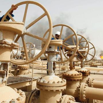 أسعار النفط العالمية تنخفض بعد اعلان السعودية عودة انتاج 11 مليون برميل/يوم أواخر الشهر الجاري