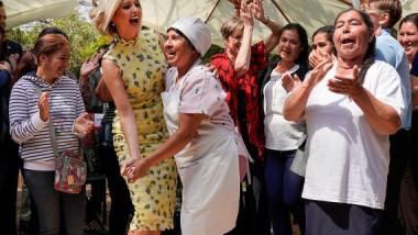 إيفانكا ترامب ترقص  في أحد اسواق باراغواي