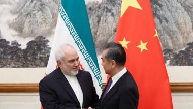 الصين تستثمر 280 مليار دولار في القطاعات الإيرانية المستهدفة بالعقوبات