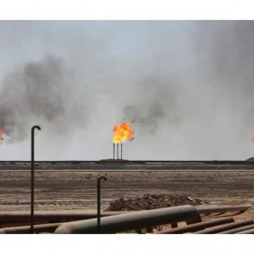 """""""التايمز """" تحذر من مخطط إيراني لضرب تجارة النفط العالمية وتدعو الى تجنب الحرب"""