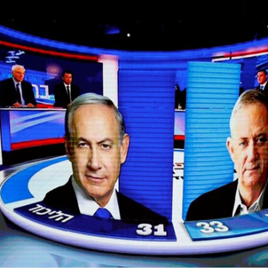 نتانياهو يلجأ الى استعمل النبرة العنصرية وغانتس يغمزه بالفساد والتطرف في تصريحاته