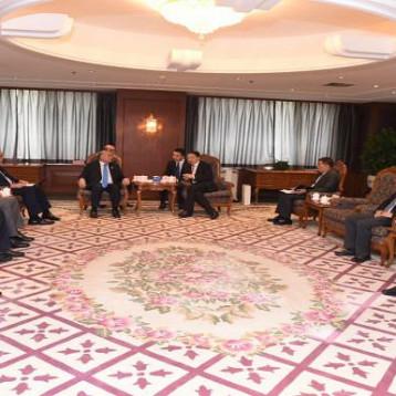 وزير المالية يبحث مع مصرف سيتك بانك الصيني تمويل مشاريع البنى التحتية بالعراق