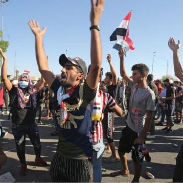 أحزاب وكتل سياسية: التقرير الحكومي لأحداث التظاهرات اغفل الجهة المسؤولة عن قنص المتظاهرين وتعمد قتلهم
