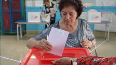 الانتخابات التشريعية في تونس تتصدرها حركة النهضة و»قلب تونس»