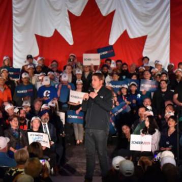 الكنديون يدلون بأصواتهم في انتخابات تشريعية نتائجها غير محسومة