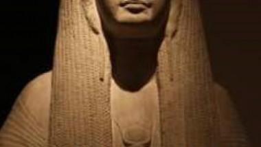 انخيدوإنا كاهنة المعبد السومريّ، أميرة أكد، ومبدعة عصرها