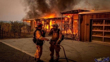 كاليفورنيا تخسر مزيدا من الأراضي أمام الحرائق