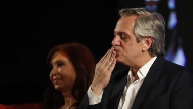 ماكري يقر بهزيمته في انتخابات الرئاسة الأرجنتينية ويهنئ خصمه فرنانديز بالفوز