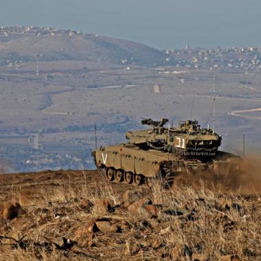 اسرائيل تشن هجوما جويا واسع النطاق على مواقع عسكرية في سوريا