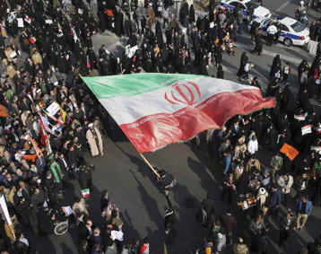 التظاهرات تتسع في ايران لتشمل عشرات المدن و12 قتيلاً بالرصاص الحي في اول يومين