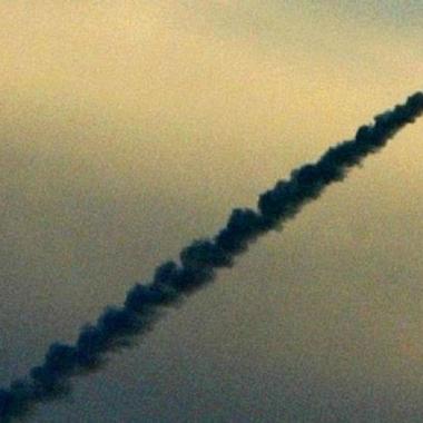 انفجارات قرب مطار دمشق وإسرائيل  تعترض صواريخ أطلقت من سوريا