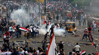 الرصاص المطاطي سبب الوفيات الأكبر بين المتظاهرين والقنابل المسيلة للدموع غازها مريب