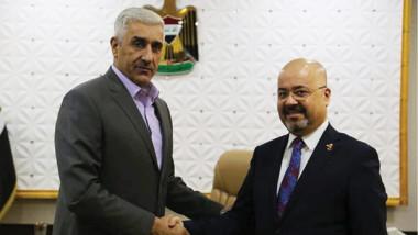 رياض يبحث سبل التعاون الرياضي  مع سفير العراق في الأردن