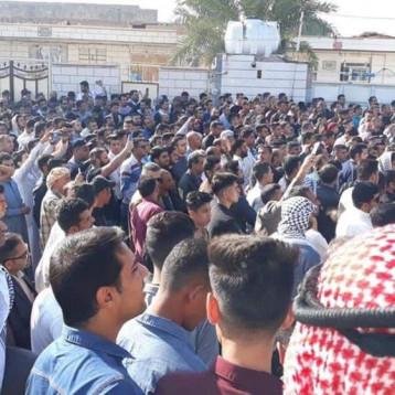 عرب الأحواز يتظاهرون ضد النظام الإيراني على خلفية مقتل الشاعر حسن الحيدري