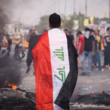 الثوار بطولات  … شباب العراق تخرس اصوات تنادي بالعودة الى الطائفية