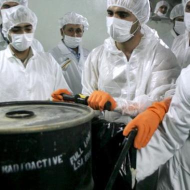 إسرائيل: إيران ستمتلك بنهاية العام ما يكفي من اليورانيوم لصنع قنبلة ذرية