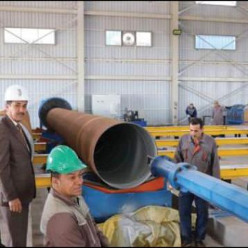 الحديد والصلب تجهز الشركات النفطية بالانابيب الحديدية