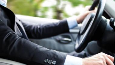 السيارة حلم الشباب بأقتنائها قبل الوظيفة والزواج
