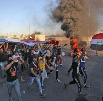 المتظاهرون يغلقون سريع محمد القاسم في بغداد ومدن الجنوب تستعد للتصعيد