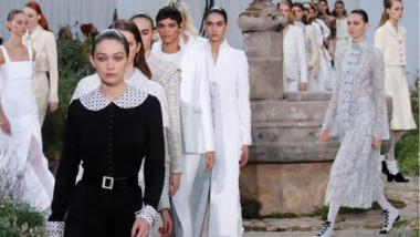 عرض أزياء لشانيل مستوحى  من سنوات مؤسستها في دير الراهبات