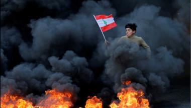 في حلقة جديدة من مسلسل احتجاجي اللبنانيون في الشوارع مجدداً مع تعثر تشكيل حكومة وتدهور الاقتصاد