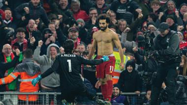 ليفربول يرد على 3 عقود من التقهقر بالابتعاد 30 نقطة عن مانشستر يونايتد