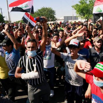 شخصيات مدنيّة تجمع على تشكيل حكومة مستقلة وإطلاق سراح المغيبين وإيقاف استهداف المتظاهرين