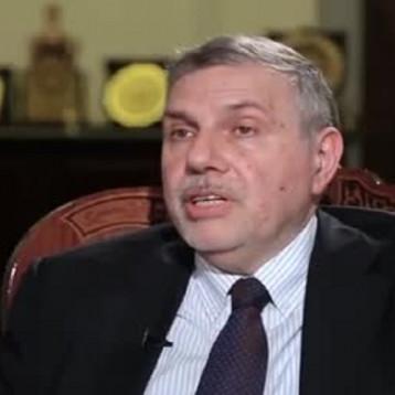 نائب: وزراء الدفاع والداخلية والمالية في الحكومة المستقيلة سيستمرون في حكومة علاوي