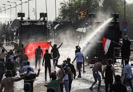 حقوق الانسان توثق الانتهاكات ومناشدات وشكاوى ذوي الضحايا في ساحة التحرير