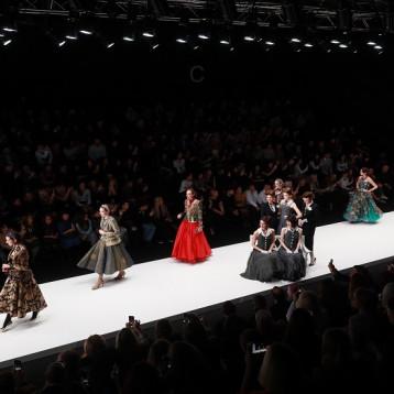 """""""أسبوع الموضة الروسية"""" في موسكو بتقنية أونلاين"""