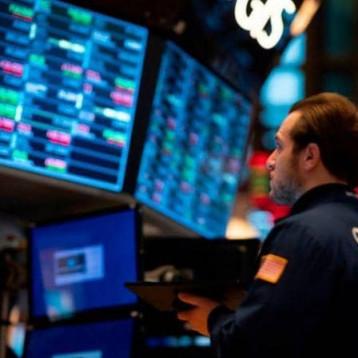 """""""الإغلاقات"""" تكبد الاقتصاد الأميركي 17 مليار دولار يومياً"""