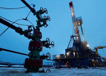 الطاقة الروسية: لا نعتزم زيادة إنتاج الخام بسبب فائض المعروض