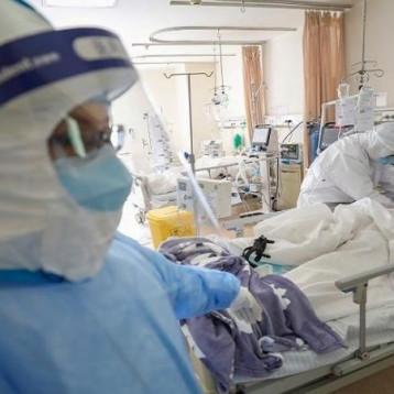 بعثة طبية صينية تصل إلى العراق مصحوبة بمساعدات صحية