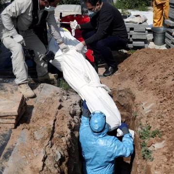 كورونا يغير طقوس الدفن عند اليهود والمسلمين