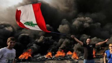 السلطات اللبنانية تتعهد بضخّ الدولار لخفض سعر الصرف للتخفيف من حدتها