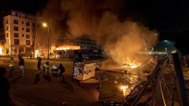 صدامات أمام البيت الأبيض وحظر التجول في مدن كبرى مستمر